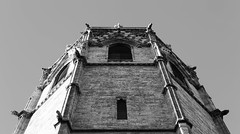 Aproximaci al Micalet (lluiscn) Tags: micalet miquelet catedral campanar torre valncia campanario cathedral building religion campanes religi grgoles grgola bn bw monochrome blanc negre ciutat city