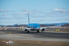 KLM - PH-BXH - B737-800 (Aviation & Maritime) Tags: phbxh klm royaldutchairlines koninklijkeluchtvaartmaatschappij boeing boeing737 b737 b737800 boeing737800 osl engm osloairportgardermoen oslolufthavngardermoen osloairport gardermoen norway