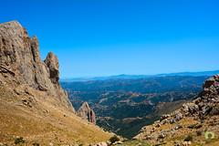 La Grande Kabylie vue depuis la  Main du Juif  culminant  1638m (Ath Salem) Tags: algrie tiziouzou at boumahdi tikjda bouira montagne djurdjura main du juif thaletat altitude moutain promenade tourisme dcouverte fort route vertige             stade kabylie