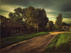 Old Tarusa.Evening. (odinvadim) Tags: landscape igcaptureslandscapes evening clouds iphoneart iphoneography iphoneonly autumn painterlymobileart sunset house enteredinsyb iphone snapseed artist instapickskyart old travel rural country textured textures painterly