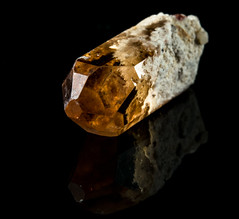Topaz (Mr Giuseppe) Tags: mineral minerales geologia mineralogia rocas rocks crystals geology mineralogy