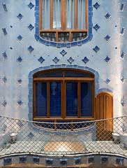 Casa Batll (@archphotographr) Tags: barcelona camera november autumn architecture lens casa spain europe places historic architect gaudi gaud casabatll batll antonigaudi antonigaud ef1635mmf28liiusm canoneos5dmarkiii hassanbagheri hbarchitectural