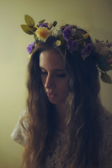 19/365 wilted (marciedawnphotography) Tags: old flowers portrait lana vintage crown 365 lanadelreay
