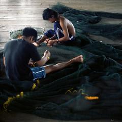 (*YIP*) Tags: fish net 120 6x6 film mediumformat square photography fisherman asia malaysia epson repairing silently fixes kualaselangor kiev60 iso160 colorimage v500 fishingindustry sekinjang epsonv500 yipchoonhong
