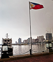 Pinoy Pride (ERIC OEBANDA) Tags: city beach bay philippines manila filipino manilabay pinoy philippineflag ncr pinoyphotographer proudpinoy mygearandme creativephotocafe