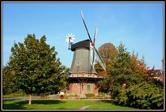 Deutschland / Niedersachsen / Wilhelmshaven / Kopperhörner Mühle / Baujahr: 1839 (berndwhv) Tags: deutschland windmills wilhelmshaven molens niedersachsen windmühlen mühlen