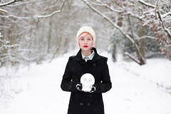 (333Bracket) Tags: winter white snow london girl skull transparent fullframe ef50mm14 333bracket canon5dmk2