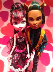 Happy 1601st Birthday Draculaura (Werewolfsisters72) Tags: birthday monster werewolf high wolf doll dolls day sweet vampire valentine dracula 1600 valentines valentinesday 1601 clawd monsterhigh draculaura monsterhighdolls monsterhighdoll clawdwolf sweet1600 1601st