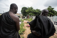 Ashanti funeral in kumasi (anthony pappone photography) Tags: africa travel portrait people festival canon gold african chief rich traditions funeral ghana westafrica afrika ashanti akan rituals afrique kumasi cerimonia funerale cerimony asante afryka africantribe