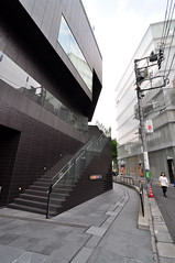 (darapo) Tags: street 2004 glass dutch japan retail wall architecture shopping lens tokyo design store nikon angle district curtain wide moma center christian tokina sanaa architects chanel ultra dior omotesando 2007 nishizawa sejima kazuyo flagship mvrdv bulgari gyre ryue d5000 1116mm