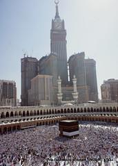 DSC02110_the landmarks al haram_5R (yaz1434) Tags: tower clock sony masjid makkah kabah alharam baitullah nex5