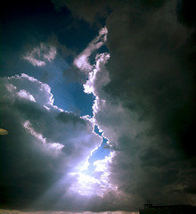 A KISS IN THE HEAVENS (Smithin Kundoly) Tags: that nokia no moment limit knows the 808 pureview zeisscontest2012