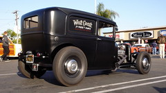 """1932 Ford Delivery Van (1965 2+2) Tags: cruise hot ford 1932 adams tudor socal donuts hotrod delivery rod huntingtonbeach 32 customs derelicts 32ford california"""" deliveryvan 1932ford cruisein mangolia """"southern in"""" fordtudor 32fordtudor """"socal donutsderelicts donutscruise 32tudor 1932tudor"""