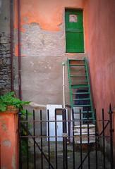 EMERGENCY EXIT...!!!!! (Skiappa.....v.i.p. (Volentieri In Pensione)) Tags: muro lumix liguria panasonic scala pericolo cancello tellaro uscitadiemergenza skiappa