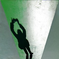 L'etoile (meghimeg(temporarily disconnected)) Tags: shadow sun verde green square friend ballerina photographer ombra dancer sole fotografa savona 2013 quadrata aqmica