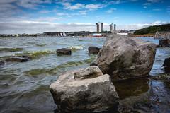 Crosby Lakeside (tabulator_1) Tags: crosbylakeside crosby lakes boulders waves