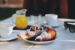 Breakfast at Ambra Day (vale.rizze89) Tags: buongiorno mattino food 50mm valeweb89 arancia spremuta pane latte coffee cappuccino italy sardegna santeodoro ambraday cornetti brioches breakfast colazione