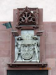 Rmer Wall Relief (Yvonne IA) Tags: germany frankfurt rmerbergsquare oldtown rmerbergcityhall cityhall rmer rathaus altstadt rmerbergplaza