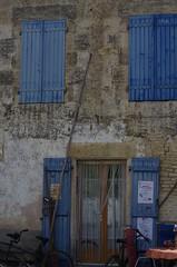 Blue wood shutter (pgauti) Tags: arcais maraispoitevin marais poitevin blue bleu volet voletenbois shutter woodshutter pentax k5 k5ii da55300 55300mm pgauti aficionados justpentax 5photosaday faade