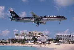 285bd - US Airways Boeing 757-2B7; N617AU@SXM;07.03.2004 (Aero Icarus) Tags: avion plane aircraft flugzeug slidescan princessjulianainternationalairport saintmartin sintmaarten sxm