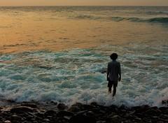 Adentrarse (Jeff Cruz) Tags: beach playa water vargas boy men natur naturale nature espiritual ecenic estar reality yoga enjoy fun canon