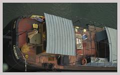 L'Auxerrois (afantelin) Tags: paris15e iledefrance navigation pniche boat seineriver plonge