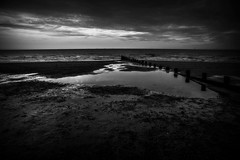 Looking out to sea (Steve.T.) Tags: beach seafront blackandwhite moody bnw frinton nature frintononsea sand sea nikon d7200 sigma18200 sky dusk essex seascape groyne