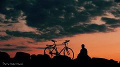 Insparables ... ( P-A) Tags: extraitdepile monstudiocielouvert cvgr aylmerqc silhouette soire marina briselames roches pierres photos simpa flickroscar photoqubec