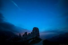 Le carezze del Vento (Gio_so_far_away_from_here) Tags: dolomiti dolomiten blue bluehour clouds mountainscape sky sunset afterglow nuvole nature stars stelle sentiero rifugio cortina crepuscolo carezze vento wind caress landscape