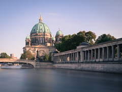 Berlin Cathedral (2016) (sraaphoto) Tags: water waterfront berlin meinberlin visitberlin germany cathedral sky bluesky river spree architecture city cityscape longexposure longexpoelite haida haidafilter sigma sigmaartlens nikon manfrotto dome old