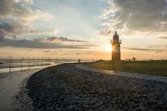 Sonnenstrahlen (grasso.gino) Tags: deutschland germany niedersachsen wremen wursternordseekste nikon d5200 leuchtturm lighthouse kleinerpreuse sonne sun strahlen beams abend evening