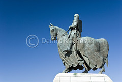 Robert the Bruce statue, Bannockburn (dkjphoto) Tags: park uk horse english monument statue freedom scotland memorial war europe unitedkingdom stirling scottish battle historic revolution knight battlefield independence struggle robertthebruce bannockburn 1314 dkjphoto denniskjohnson