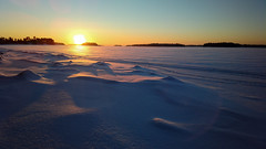 rising sun (Antti Tassberg) Tags: morning winter ice mobile sunrise espoo suomi finland dawn nokia cellphone lumi talvi j uusimaa 808 aamu auringonnousu phoneography pureview linholmsfjrden