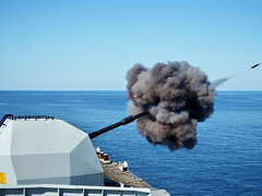 FG120232 (Royal Navy Media Archive) Tags: gun gulf hampshire monmouth portsmouth guns 45mm gunners 30mm type23frigate surfaceship gunex gunneryserial firingatsea