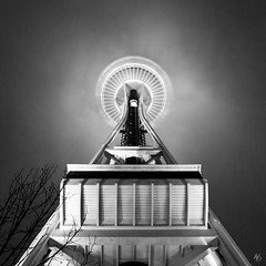 Space Needle (@archphotographr) Tags: seattle camera winter light bw mist detail tower fog skyline architecture modern night lens observation us flying blackwhite washington december exterior symbol designer contemporary places landmark icon lookingup architect pacificnorthwest spaceneedle spaceship iconic 1962 engineer futuristic saucer seattlecenter worldsfair victorsteinbrueck structuralengineering johngraham edwardcarlson archidose ef1635mmf28liiusm howardswright johngrahamjr canoneos5dmarkiii archdaily johnkminasian hassanbagheri hbarchitectural