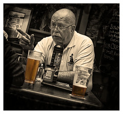 (Ben Revell) Tags: york england people monochrome portraits yorkshire pubs bitter rsa royalsignals canon40d theyorkshireterrier scaleybacks guzzlerbeer scaleys
