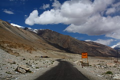 Near Tangtse in Ladakh, India (Chandravir Singh) Tags: india nature canon landscape eos leh ladakh 450d colddesert canonefs1855mmf3556is aksveer