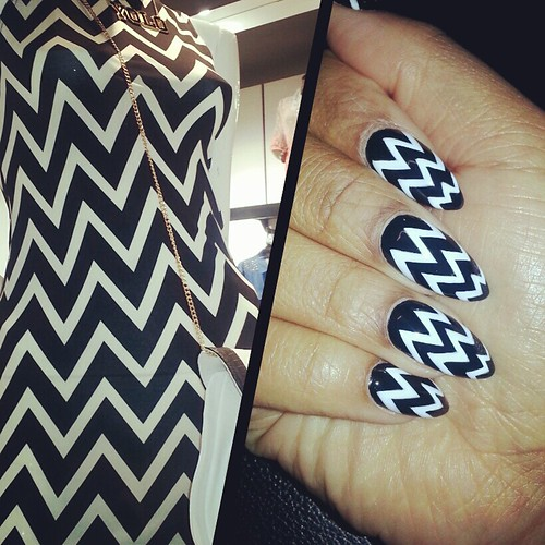 RC Black & White Nails