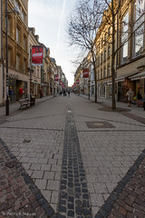 on a sunday afternoon in Luxembourg. (Patrick Mayon) Tags: street city shop landscape europe magasin commerce cityscape sunday cobbled shops luxembourg paysage rue dimanche urbanlandscape paved pavs paysageurbain pave commercante