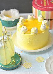 Lemon Meringue Delight Cake 4 (Sweetapolita) Tags: yellow lemon layercake lemoncurd eastercake lemonmeringue lemoncake meringues sweetapolita delightcake bakedmeringues