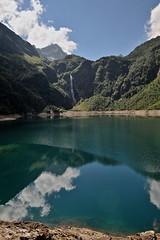 les cruciverbistes ... (jean-marc losey) Tags: france hautegaronne pyrnes lacdoo montagne reflet nuage d700