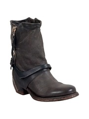 "AS98 Cayden boot smoke • <a style=""font-size:0.8em;"" href=""http://www.flickr.com/photos/65413117@N03/28695369033/"" target=""_blank"">View on Flickr</a>"