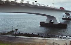 Zeelandbrug (Arne Kuilman) Tags: canon 500n analogue film scan kodak 4009 kodacolor epson zeeland nederland netherlands zeelandbrug zlb divers divesite diving duiken scubadiving