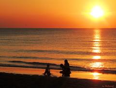 Last days of summer (Shahrazad26) Tags: kijkduin denhaag sgravenhage zuidholland thehague lahaye thenetherlands holland nederland paysbas zonsondergang coucherdusoleil sunset