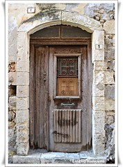 (Eleanna Kounoupa (Melissa)) Tags: doors greece crete oldtown traditionalarchitecture rethymnon