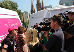 media scrum www.loveyoursister.org launch_4303 (gervo1865_2 - LJ Gervasoni) Tags: world square breast sam cancer johnson australia 15 melbourne victoria unicycle record february guiness awareness fundraiser attempt trap km federation booby 15000 2013 lys13 photographerljgervasoni wwwloveyoursisterorg