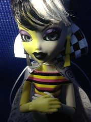 Don't Be Afraid (Petit Monstre Vous) Tags: switch doll witch mga bratz bratzillaz switchawitch