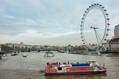 London Eye (Adam Haranghy) Tags: blue red england sky london eye wheel thames river giant boot boat fuji britain great rad sightseeing ferris tourist fluss riesenrad themse riesen ldn x100 grosbritannien