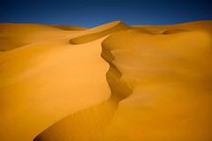 Line Desert (Azaga ツ) Tags: travel light black color canon desert abraham ibrahim libya touareg ابراهيم سفر تصوير صحراء 50d sabha ubari ليبيا sebha كانون حياة سياحة ghademes سبها اوباري azaga عزاقة aezagp
