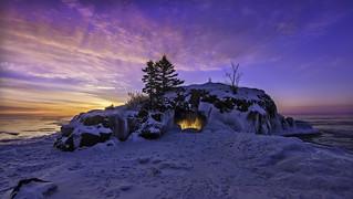 winter hollow rock sunrise - lake superior - minnesota